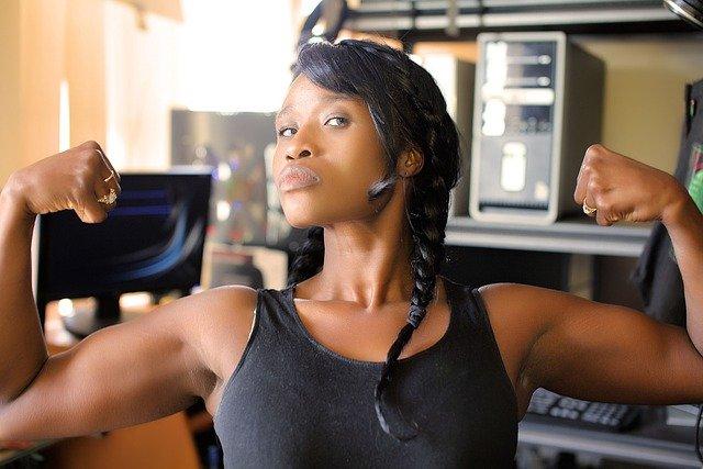 fitfighters-online: Unser Gewicht verändert sich auch, wenn wir Muskulatur durch Training zunehmen oder durch Inaktivität verlieren.