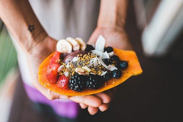 Bewusste Ernährung ist die Auswahl echter Lebensmittel, ein zentraler Teil von fitfighters.